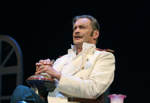 Александр Домогаров отметил юбилей на сцене