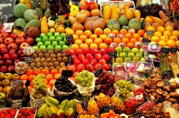 Диетолог предупреждает об опасных свойствах фруктов