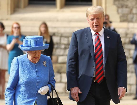 Трамп заявил, что Елизавета II очень красивая женщина