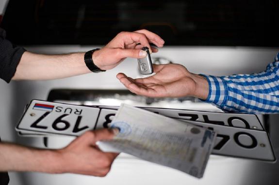 Теперь можно регистрировать автомобили без посещения ГИБДД