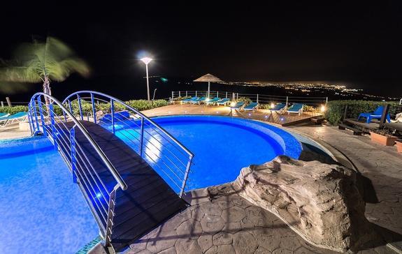 В отеле на Кипре скончалась туристка из России