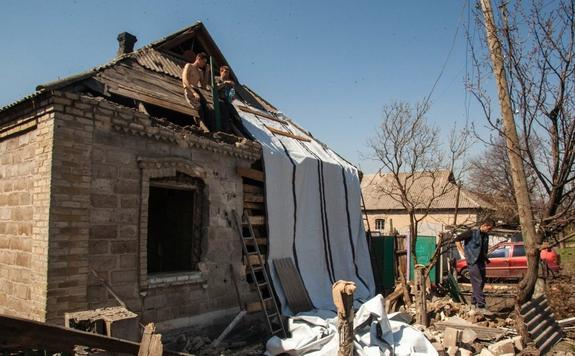 Украинская армия на Донбассе расстреляла летнюю кухню