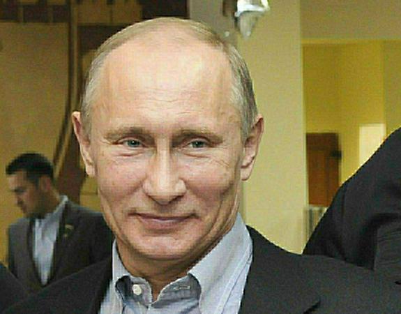 Путин: волонтеры часто работают эффективнее, чем чиновники