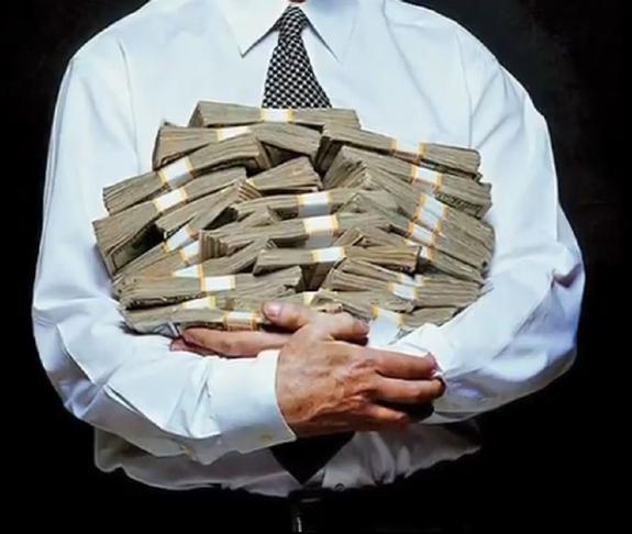 В ХМАО безработный случайно получил 400 тысяч рублей