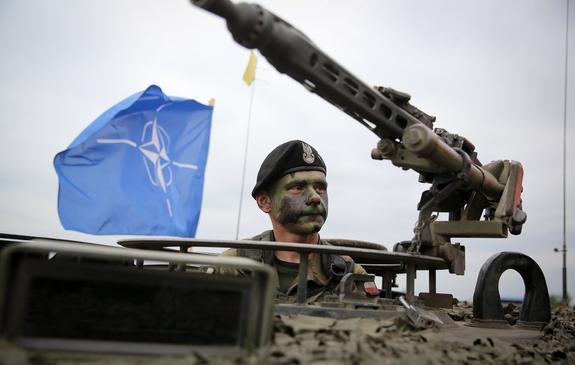 В НАТО предрекли мировую катастрофу из-за военного конфликта Запада с Россией