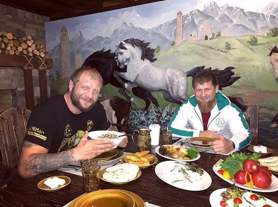 Кадыров сравнил Емельяненко-младшего с былинным богатырем