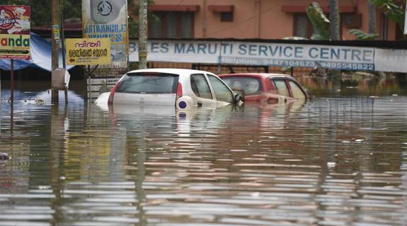 Количество жертв наводнения в Индии вновь возросло