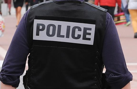 Автомобиль протаранил террасу бара в Испании, есть пострадавшие