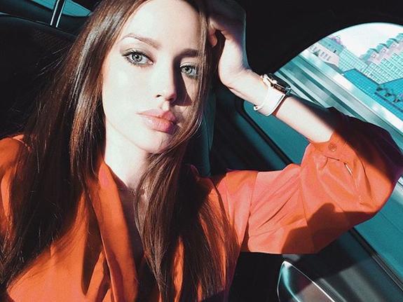 Жена Дмитрия Тарасова поставила на место подписчицу, указавшую на ее ошибку