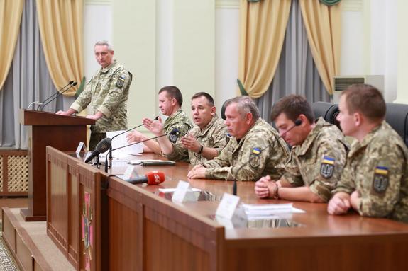 Украина  назвала число российских военных, погибших в боях под Иловайском