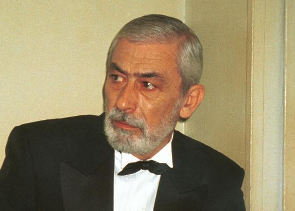 Актер Вахтанг Кикабидзе попал в больницу