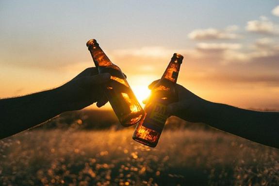 """Эксперты назвали самые """"пьющие"""" страны мира"""