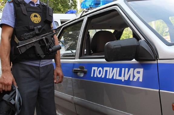 В Петербурге мужчина стреляет из окна и угрожает взорвать газ