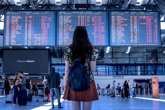 Во Франции российских туристов обокрали до $1 миллиона