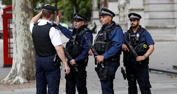В Лондоне три человека пострадали от отравляющего вещества