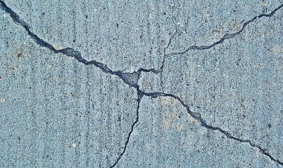 В сети появились фотографии последствий ночного землетрясения на Урале