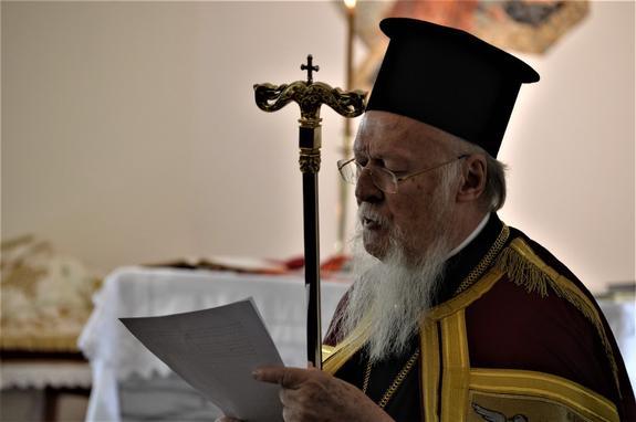 В чьих интересах действует вселенский патриарх Варфоломей?