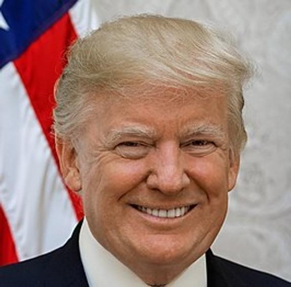 СМИ: Дональд Трамп подозревает в заговоре свое окружение