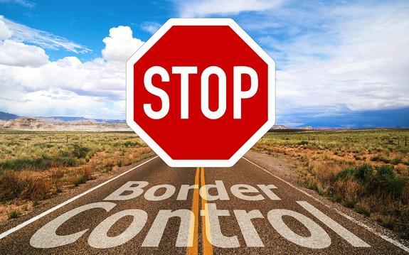 Группа гражданских лиц пыталась блокировать КПП на границе с Россией