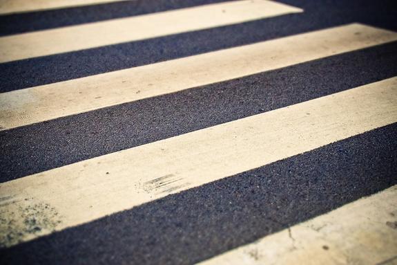 В Пермском крае автомобиль сбил шестерых пешеходов, водитель скрылся