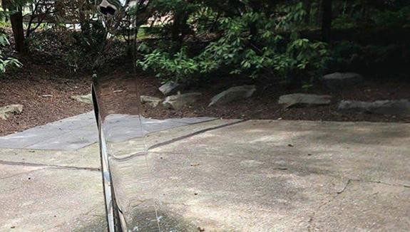 В сети обсуждают фото «невидимого» автомобиля