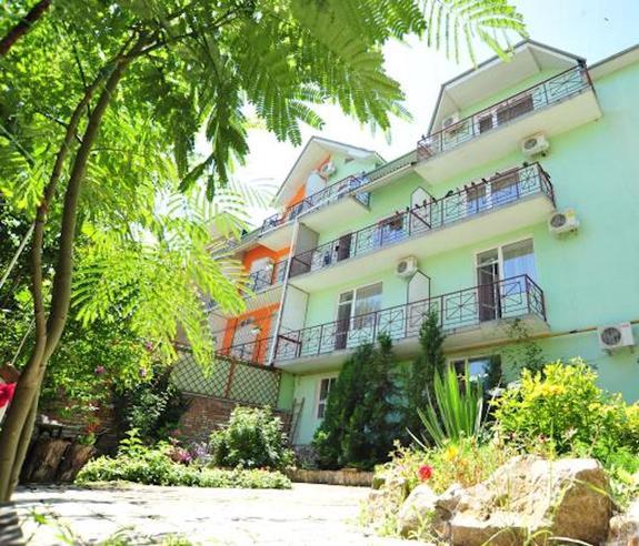 У жителя Феодосии, находящегося в коме, мошенники  незаконно присвоили квартиру