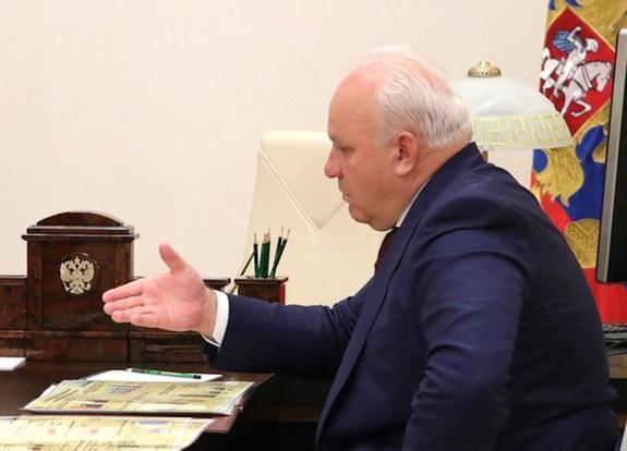 В пресс-службе главы Хакасии опровергли информацию о его уходе в отставку