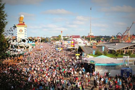 В Мюнхене в условиях повышенных мер безопасности стартовал фестиваль пива