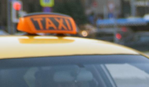 На юго-западе Москвы таксист сбил пешехода