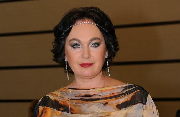 Дочь Ларисы Гузеевой превратилась в роковую красотку