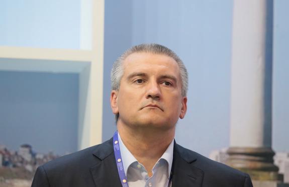 """Глава Крыма назвал корабли ВМС Украины """"ржавыми корытами"""""""