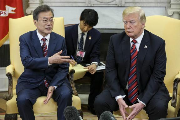 Глава Республики Корея передал Дональду Трампу послание от Ким Чен Ына