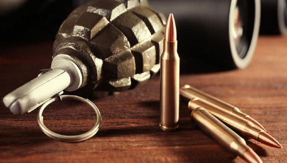 Во Львове жителю Крыма в машину подбросили гранату