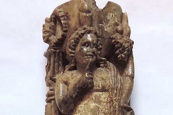 Археологическая экспедиция в Керчи обнаружила костяную статуэтку бога Гарпократа
