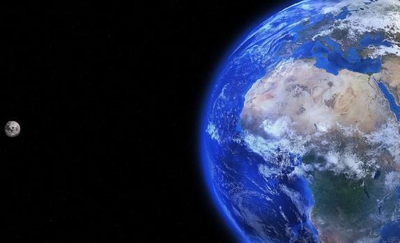 Видео с появившейся в небе над российским городом «планетой Нибиру» выложили СМИ