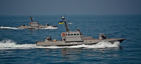 Какие учения проводила страна без флота в Азовском море?