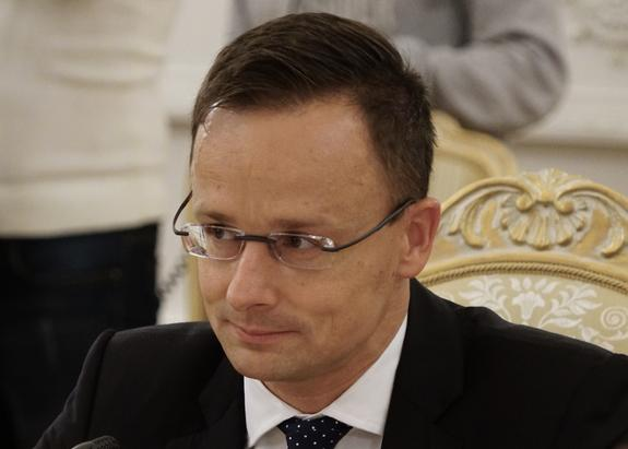 """В МИД Венгрии заявили, что политика Украины достигла """"ужасающего дна"""""""