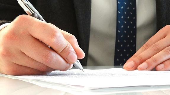 В Саратовской области уволили министра, заявившую о возможности жить на 3,5 тыс.