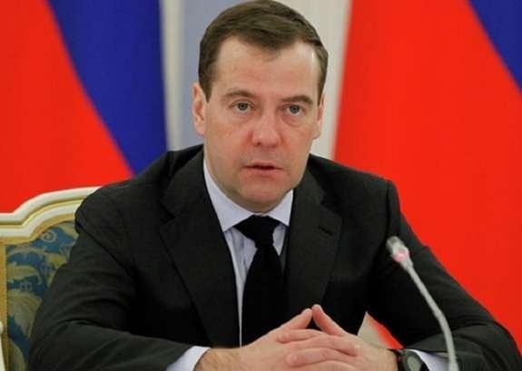 Медведев: санкциями против банков России США объявили торговую войну