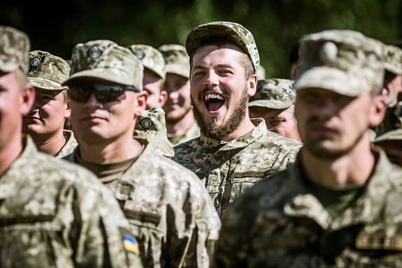 Солдата из 93 бригады ВСУ чуть не зарезал собственный отец