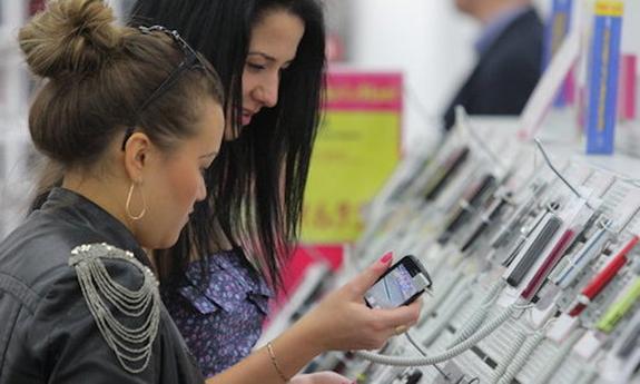 Похититель в Крыму  подменял дорогие телефоны в салонах связи на дешевые аналоги