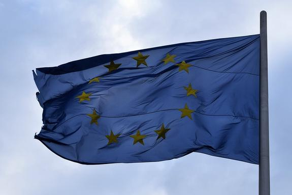 Политолог назвал анекдотической реакцию ЕС на санкции РФ против Киева