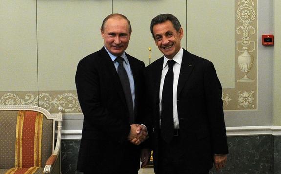 Санкции ЕС толкают Россию в объятия Китая, считает Саркози