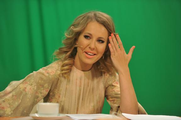 Беременная Собчак перещеголяла Волочкову, показав шпагат на глазах балерины