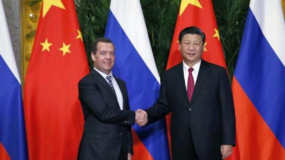 Медведев: США сами пострадают от санкций