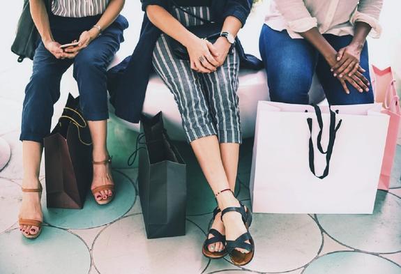 Туристы составили рейтинг российских городов для шопинга