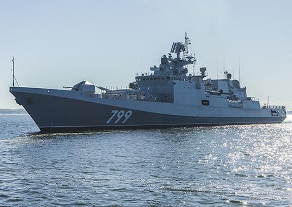 В Средиземном море российские фрегаты провели ночную тренировку