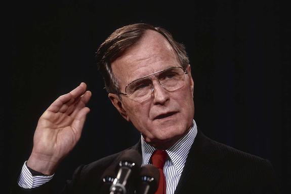 """В НАТО назвали Джорджа Буша-старшего """"архитектором"""" эпохи после холодной войны"""