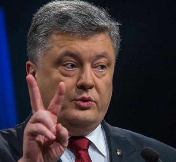 Политолог раскрыл планы Порошенко по окончании военного положения