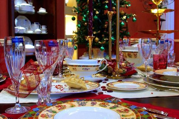 """Стала известна """"стоимость новогоднего стола"""" в обычной подмосковной семье"""